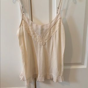 Ilayering tank w lace details. adjustable straps